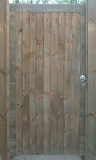 Pedestrian close boarded gate