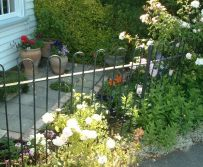 Traditional Kentish Cottage style front Garden.