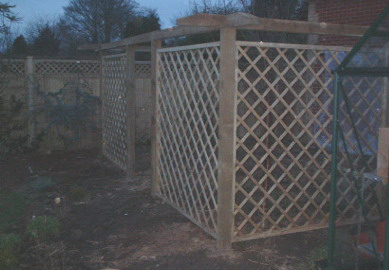 Border fence and trellis section